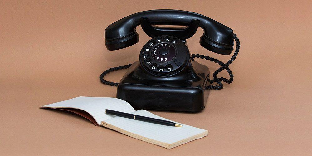 黒電話とメモ帳